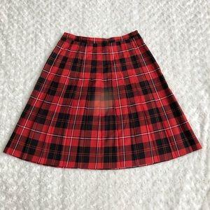 Briggs New York Size 16 Plaid Pleated Skirt